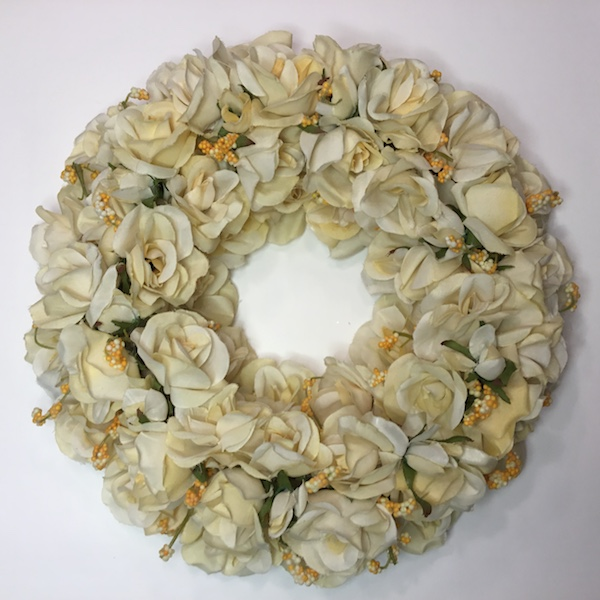 Håndlavet krans med roser