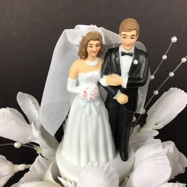 Brudepar figur til bryllupskagen