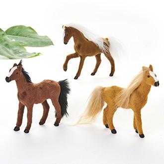 Hest i nøddebrun farve